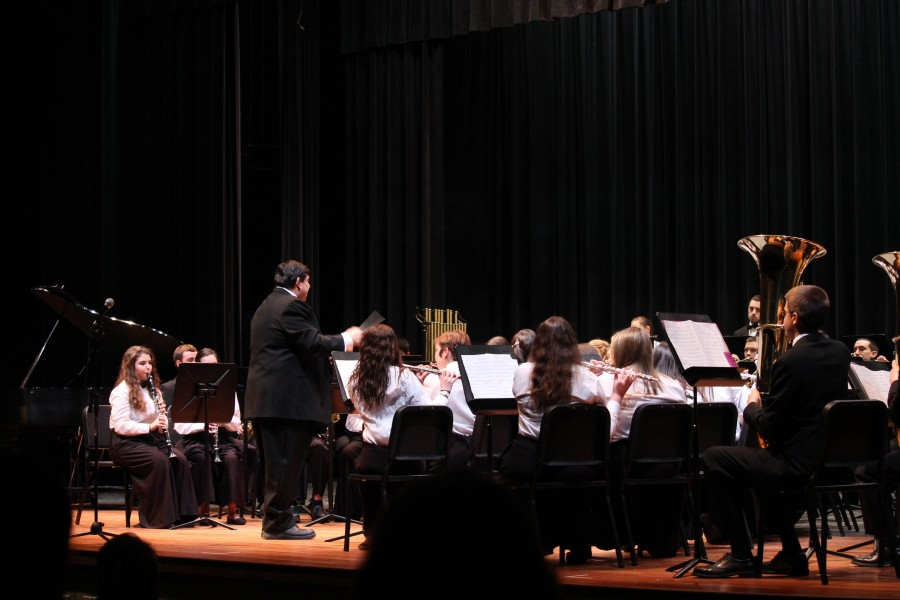 Audience+Sings+Praise+for+Winter+2015+Band+Concert