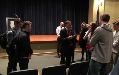 Senator pays visit to Burlington